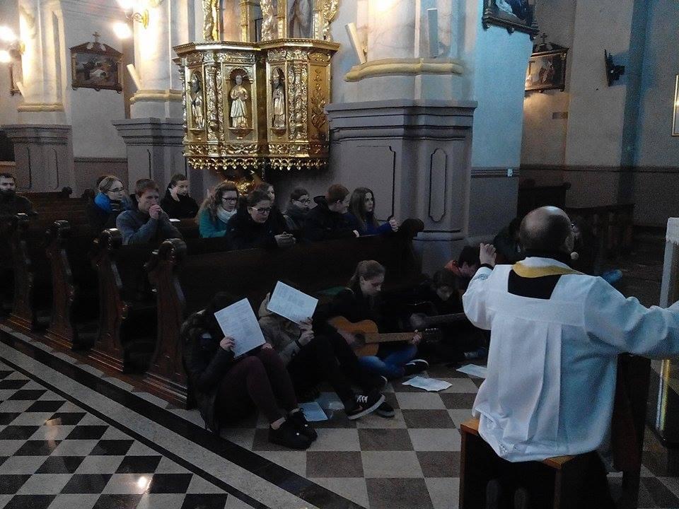 Najświętszy Sakrament - najdoskonalsze miejsce modlitwy (21.11.14r.)