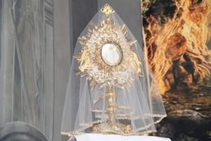 Wielka Sobota - Liturgia Wigilii Paschalnej o godzinie 19.00.